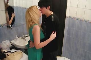 Teenagers penetrate in a bath